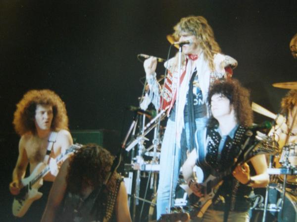 Saxon-1988-tour